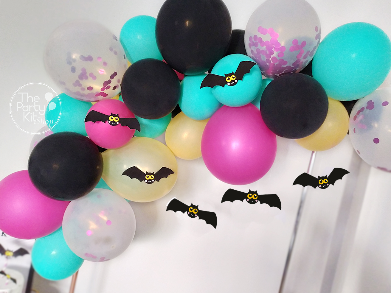 halloween party balloon garland